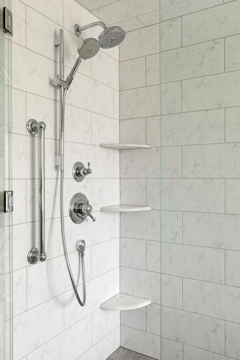Wall mounted and hand held shower heads